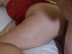 Coroa rabuda fazendo sexo anal com maridão bom de cama
