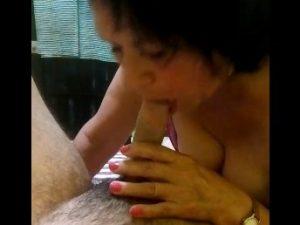 Comendo a sogra velha cachorra que adora pica