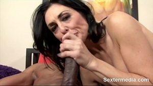 Masturbando a buceta tesuda da tailandesa