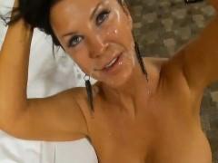 Esposa de 47 anos gostosa dando para o marido no hotel